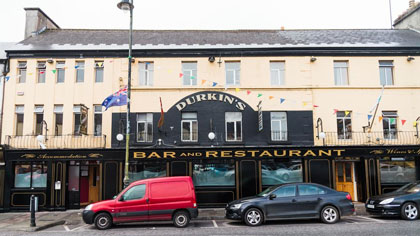 Durkin's Bar, Restaurant & Guesthouse